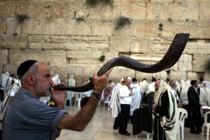 Евреите денеска ја пречекуваат 5778. Нова година - Рош Хашана