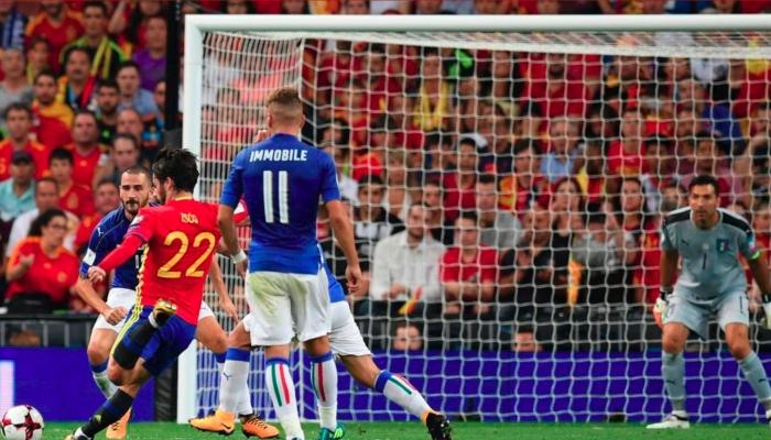 Шпанија убедливо го доби дербито против Италија