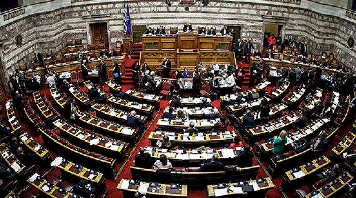Грчкиот парламент не и изгласа недоверба на владата на Ципрас