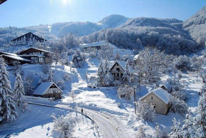 Маврово и Крушево под снег, најстудено во Берово минус пет степени
