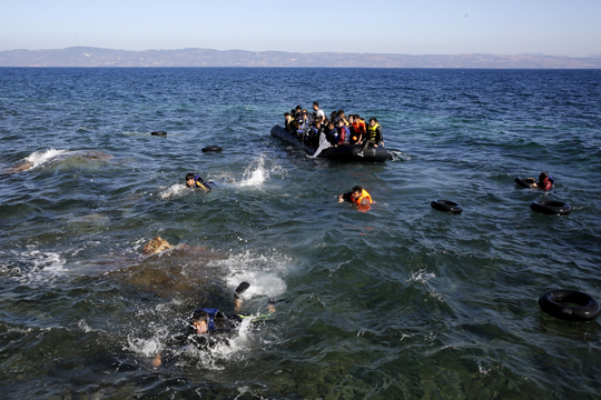 reakcii-po-vcherashnata-nesreka-vo-egejskoto-more-vo-koja-zaginaa-16-migranti