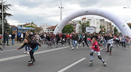 Осумстотини ученици учествуваа на  Ролер трката 2017