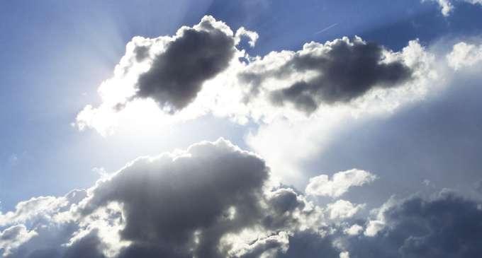 Облачно со локални врнежи и засилен ветер