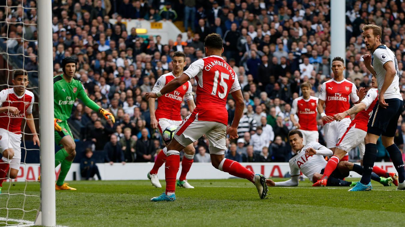 Тотенхем за три минути год доби Арсенал во лондонското дерби