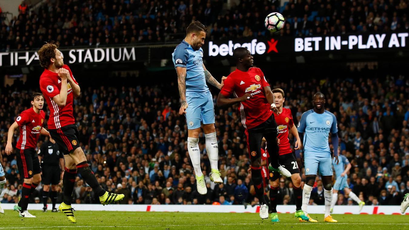 Премиер лига  По еден бод за Сити и Јунајтед