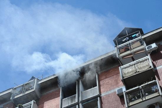 Изгоре стан во Скопје