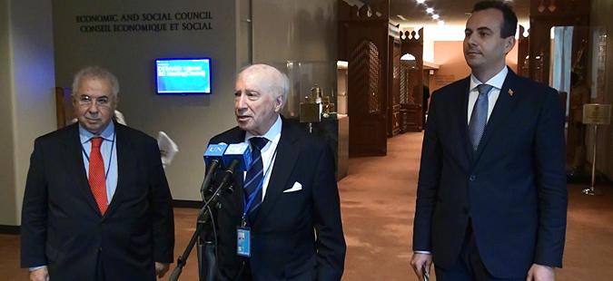 Во Брисел средба на Нимиц со преговарачите за името Наумовски и Василакис