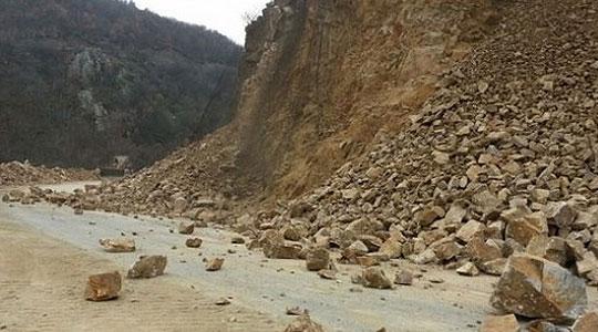 Исчистен одронот на патот кај Џепчиште
