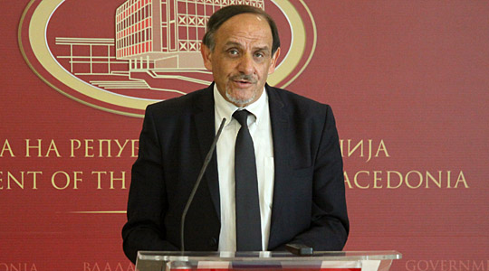 Ибраимовски ја напушта министерската функција  ќе биде пратеник