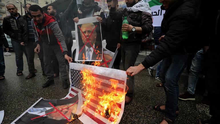 Реакции на социјалните мрежи откако Трамп го призна Ерусалим  Арапите немоќни и безнадежни