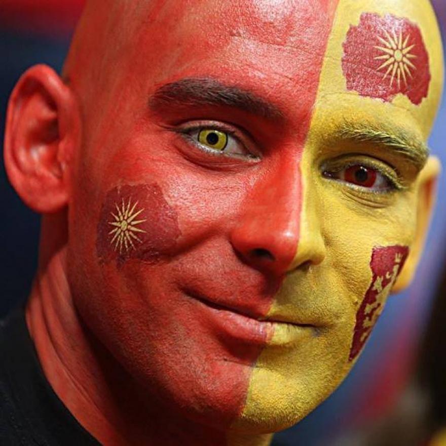 Запознајте го најпопуларниот навивач на Македонија за кого наголемо пишуваат странските медиуми