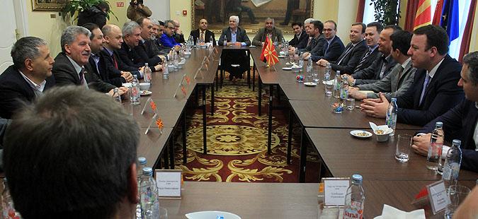 Почна средбата на Груевски со лидерите од коалицијата  За подобра Македонија