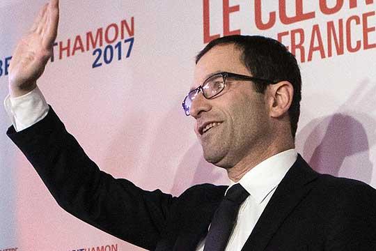 benoa-amon-i-manuel-vals-ostanuvaat-vo-trkata-za-pretsedatelski-kandidat-na-francuskite-socijalisti