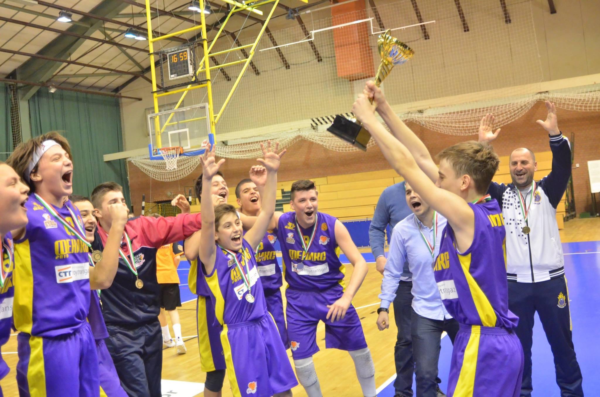Феникси  долетаа до плејофот во Европската младинска лига