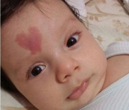 Штотуку родено а веќе е најпознатото бебе на светот  еве зошто