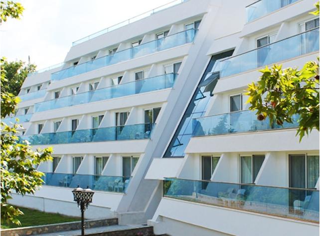 Имаат одмор за паметење во Струга  Странски туристи се затруеле од храна во хотел  Изгрев
