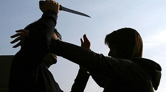 Двајца тетовци избодени со нож  помладиот се бори за живот