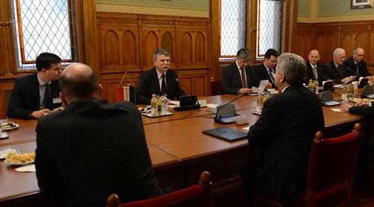 Средба на претседателот Иванов со Ласло Ковер