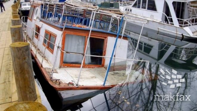 Еколошки инцидент  Се излеа нафта од потонат брод во каналот Студнечишта