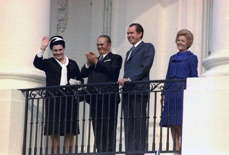 prvata-dama-na-jugoslavija-poslednite-denovi-od-zhivotot-gi-pominala-vo-beda-a-tajnite-na-tito-gi-odnela-vo-grob