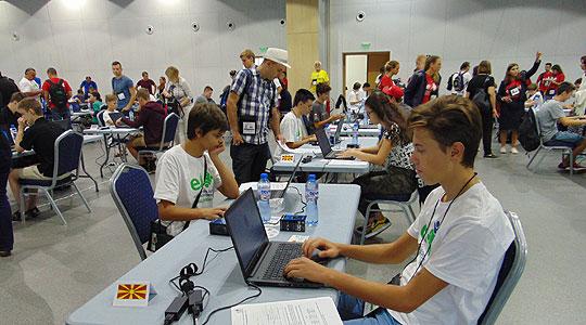 Македонски ученици освоија медали на Балканската и на Европската олимпијада по информатика