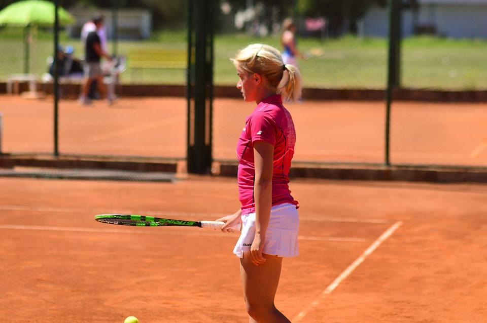 Стоилковска во борба за влез на главниот турнир