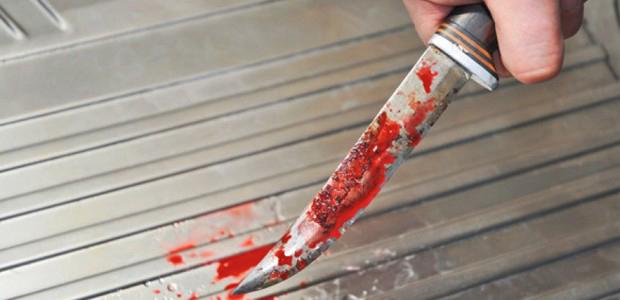 Крвав инцидент во автобус на ЈСП  со нож повреден тинејџер од Бојане