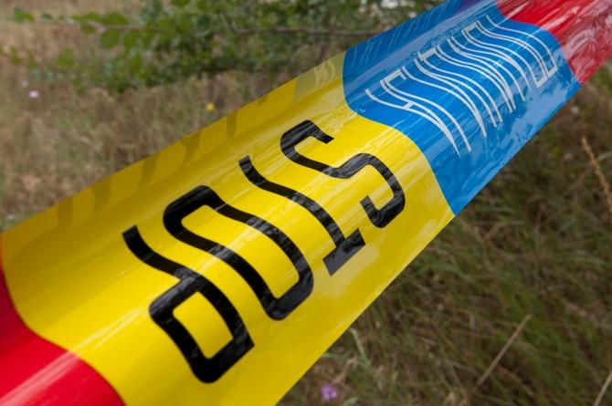 Мртов маж најден на земјен пат во Штип со крвави траги на лицето