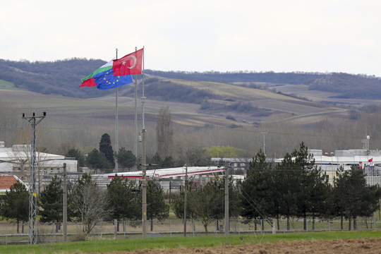 Странците во Турција ќе плаќаат казни на граничните премини