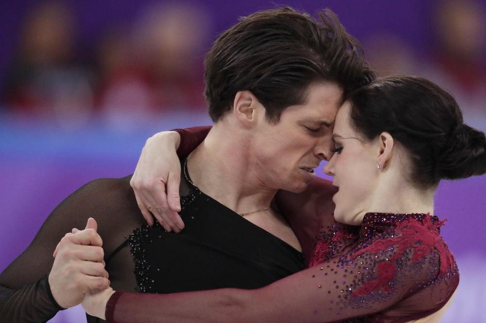 Малку претераа со страстите  Канадскиот пар беше премногу интимен  гледачите и судиите останаа во шок