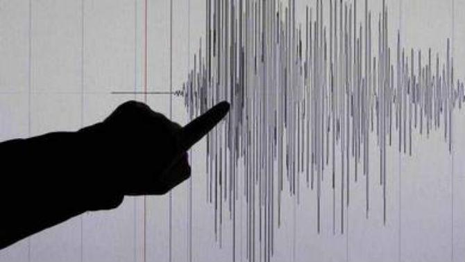 silen-zemjotres-vo-grcija-gragjanite-vo-panika