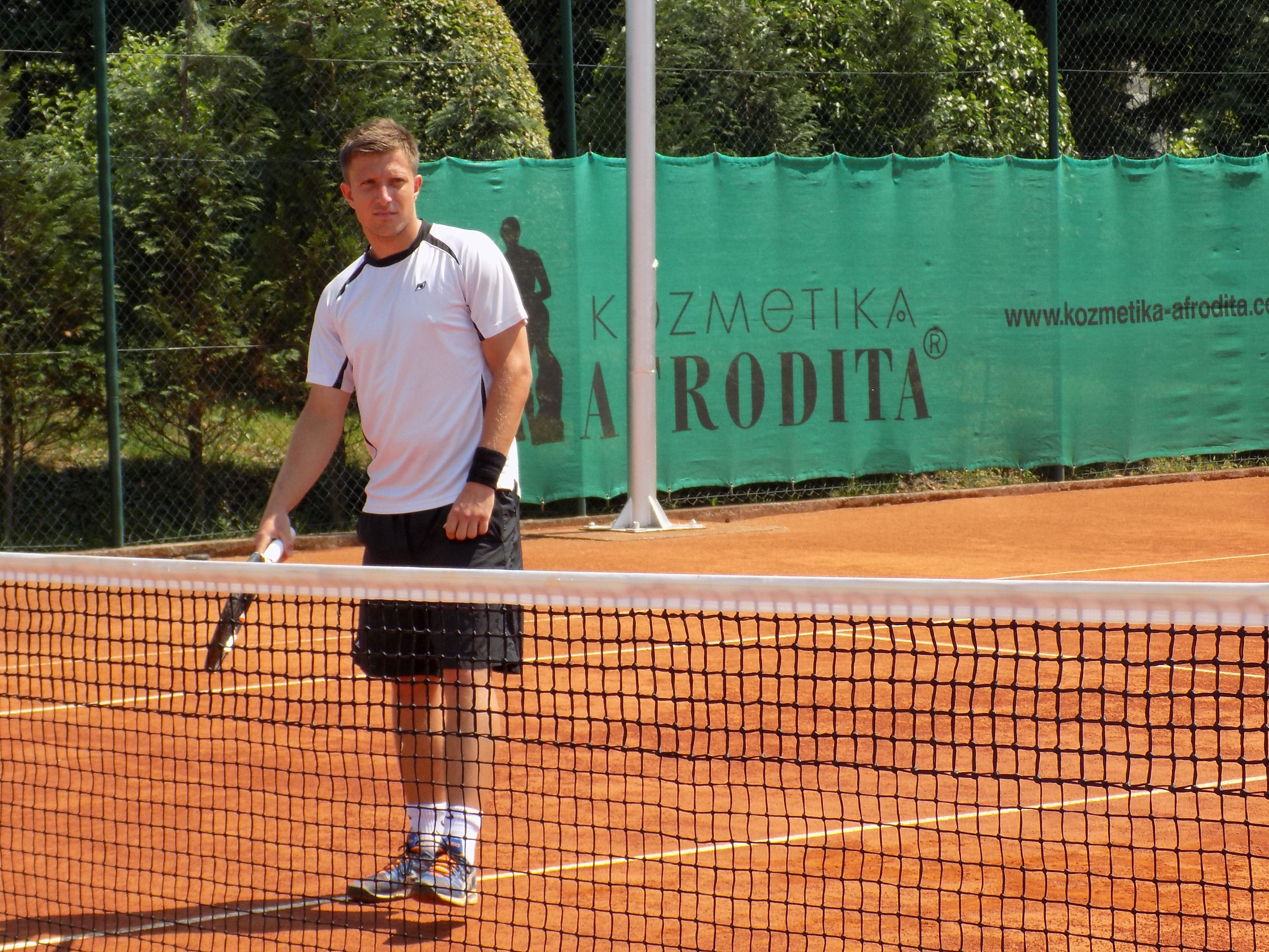 Јотовски игра полуфинале во Хамамет