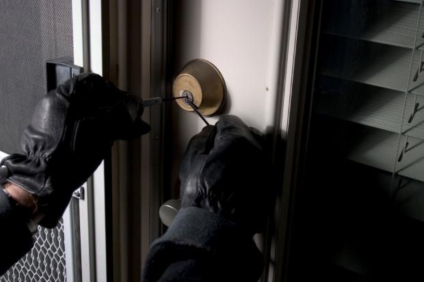 Ограбен познат адвокат од Струмица  нема да верувате што се му однеле од канцеларијата