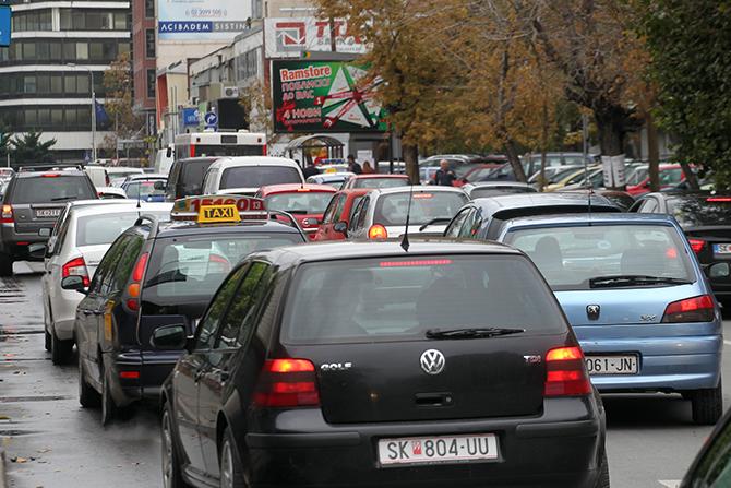 Постарите возила ќе плаќаат повисока регистрација