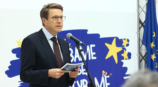 Евроамбасадорот Жбогар во посета на Гостивар
