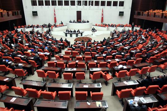 Тепачка во турскиот парламент по усвојување измени на изборникот закон