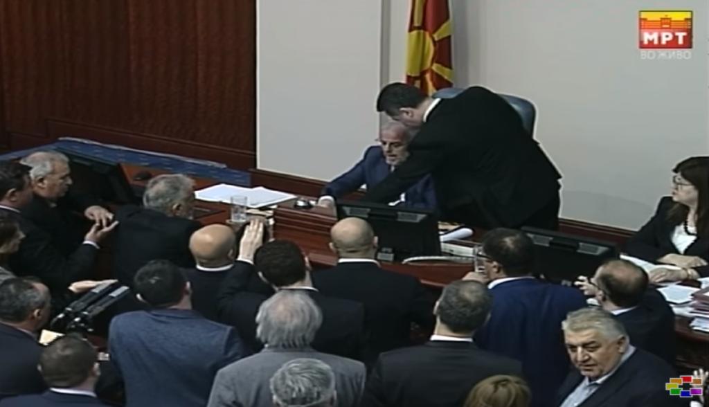 Груевски до Џафери   Немојте на сила  немојте на сила  не е добро на сила