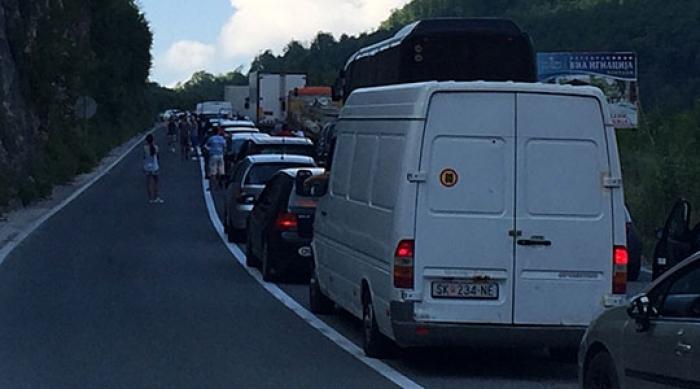 Страшна сообраќајка кај Стража, најмалку петмина повредени | Сител