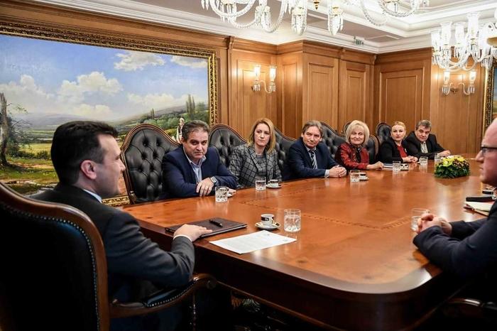 Премиерот Заев на средна со членовите на ДИК околу деталите за локалните избори во Охрид, Дебар и Ново Село