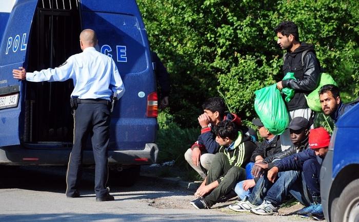 Девет мигранти од Египет и криумчар од земјава фатени во кратовско