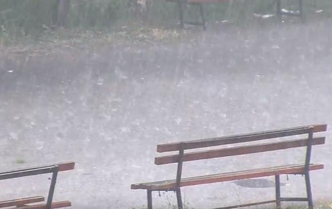 Дождот ги исгази нејголем дел од пожарите  останатите под контрола