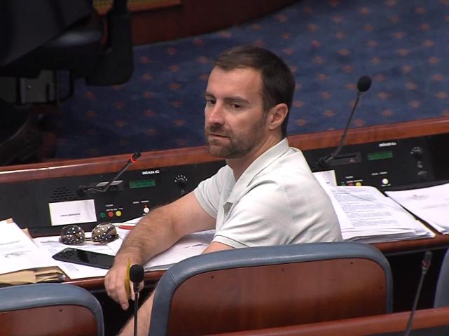 Собранието ја продолжи општата расправа по предлогот за разрешување на државниот јавен обвинител Марко Зврлевски