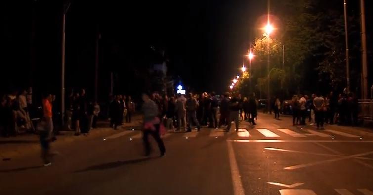 Сообраќајка во Ѓорче  повредено дете   жителите на  Борис Сарафов  го блокираа сообраќајот
