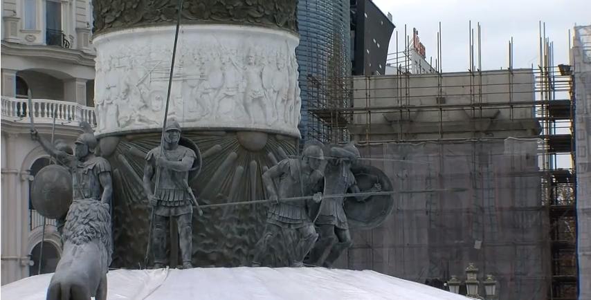 """8 споменици од """"Скопје 2014"""" се незаконски поставени - одредени општини ги бараат, но не може да ги добијат"""