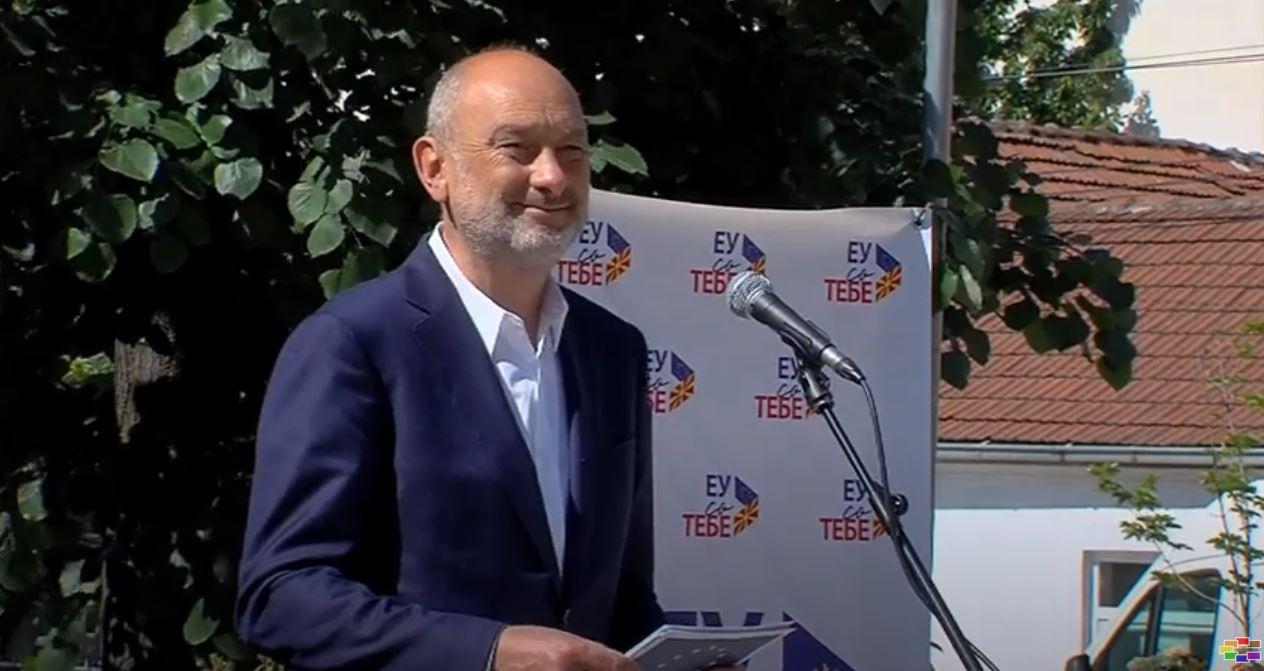 Европската комисија планира преговори и со Македонија и со Албанија вели ЕУ амбасадорот Гир